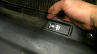 Honda Civic Defective fuel door - the cause and solution thumbnail