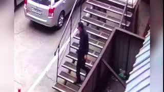 Розыск! Грабитель иркутской студентки попал на видео