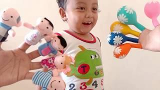 Ayo Nyanyi Lagu Keluarga Jari dengan Boneka Tangan