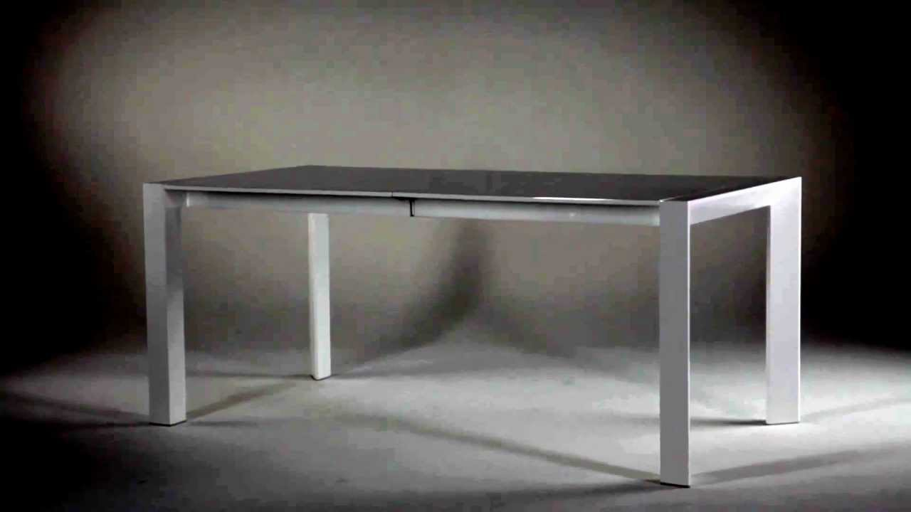 Table extensible design blanche white catalogue but for Table extensible axiome