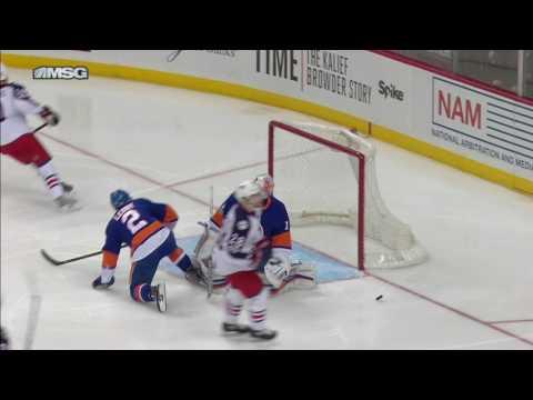 Bjorkstrand snipes on Greiss after Seidenberg takes a tumble