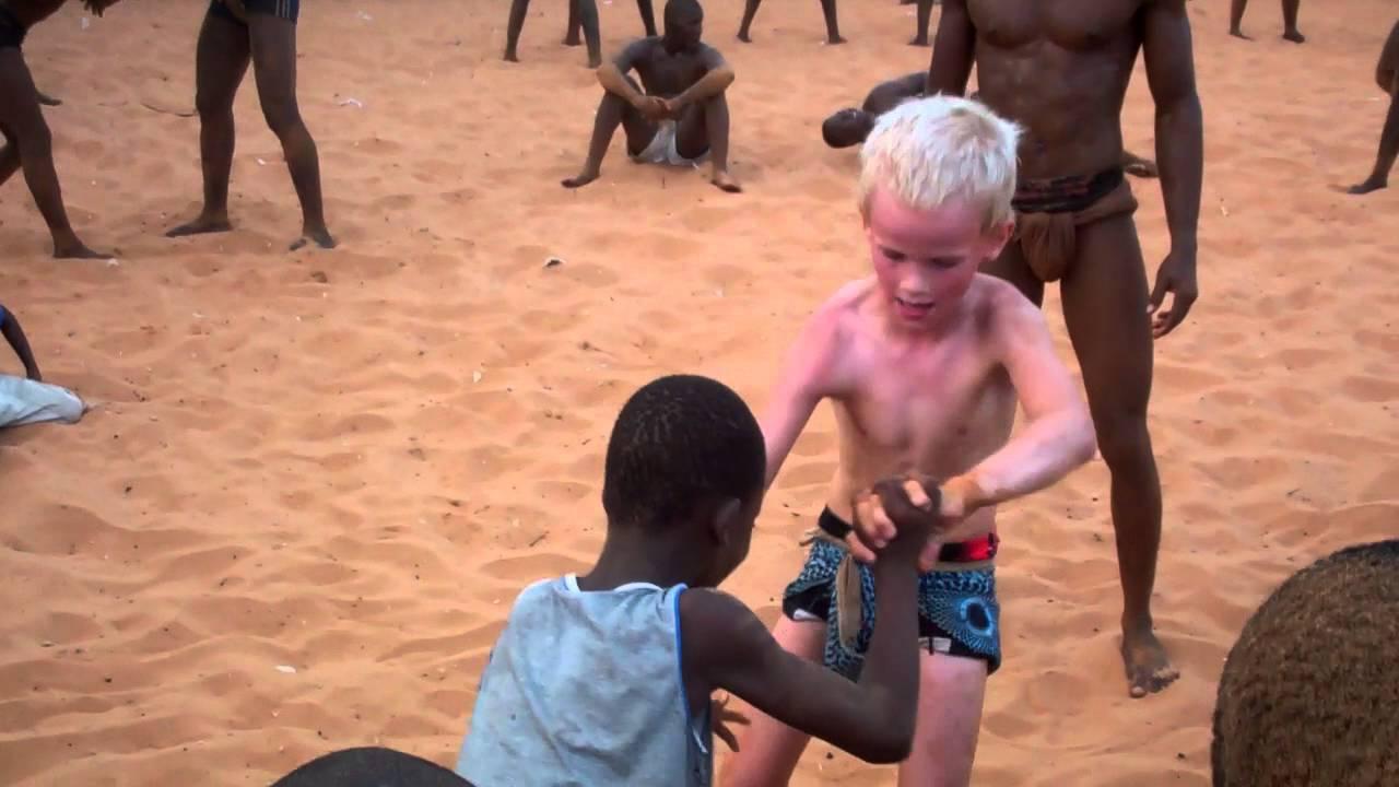La Lutte Senegalese Wrestling in Dakar Championship - YouTube