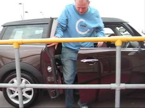 Mini Cooper Clubman - with STUPID DOORS!