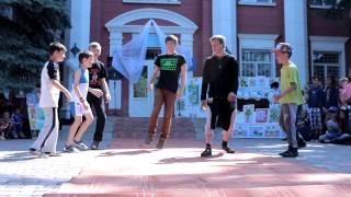 Выступление Brz BBoys | Березанка | 2015(Выступление Brz BBoys Березанка | Дом творчества | 2.06.2015., 2015-06-02T18:37:43.000Z)
