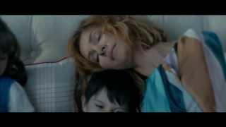 Елена Подкаминская в новом клипе EMIN'а на песню