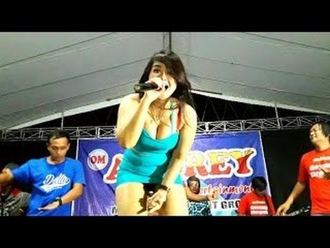 KONCO MESRA  - LIA CAPPUCINO LIVE DANGDUT thumbnail