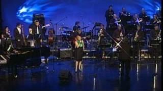 Nuša Derenda - Serenade in Blue