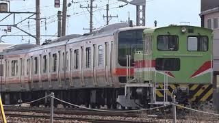 廃車置場から工場へ移動、仕上げ作業に入ったE231系武蔵野線改造車、長野総合車両センター。