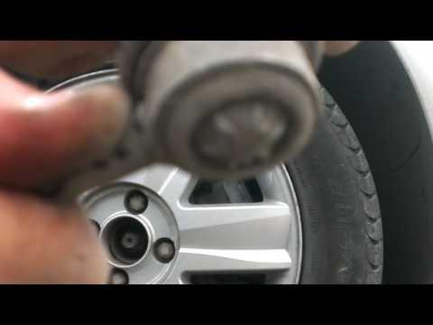 Разбитая стойка стабилизатора Renault Megane 2