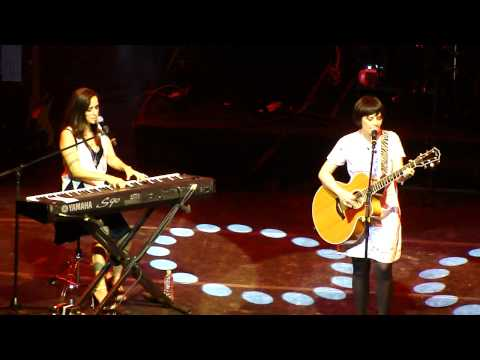Julieta Venegas e Fernanda Takai - Dulce Compañía
