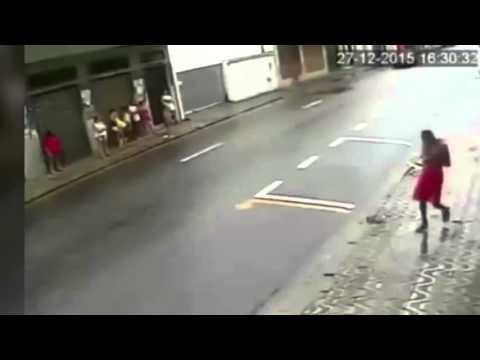 LiveLeak - If he was sober he'd probably be dead