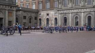 Relève de la garde royale à Stockholm (Nena- 99 Luftballons Instrumental)