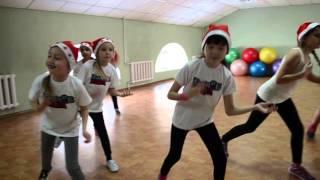 Новогодний танец! Дети, средняя группа