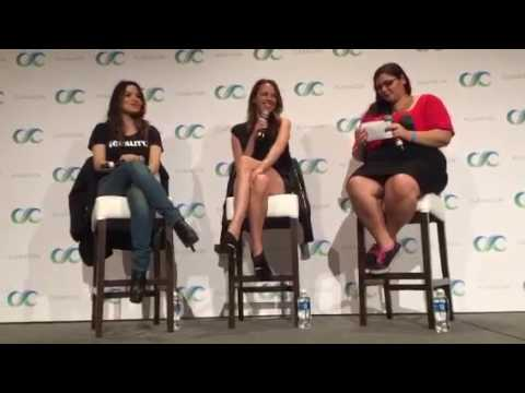 ClexaCon 2017 - Shoot Panel - Amy Acker & Sarah Shahi (2017-03 ...
