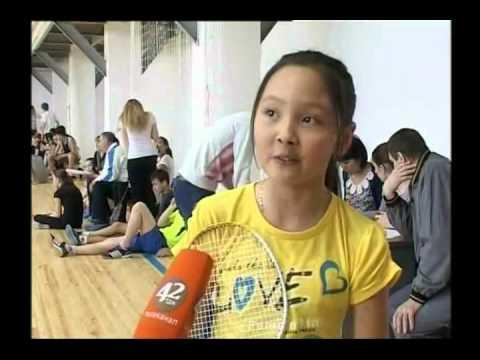 В Уральске проходит первенство по бадминтону среди юношей и девушек
