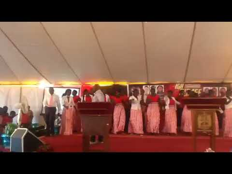 Gospel singer from South Africa reminds me of S.A.