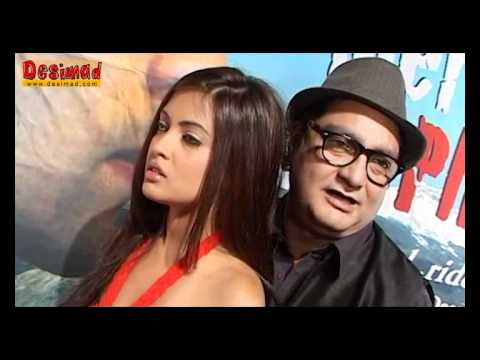 "Vinay Pathak and Riya Sen Together in ""Tere Mere Phere"""