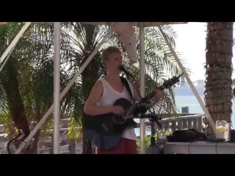 Live music outdoors, waterfront dining in Dunedin, full service, sunsets, Bon Appetit