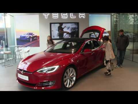 Tesla store in Seoul, South Korea is open!