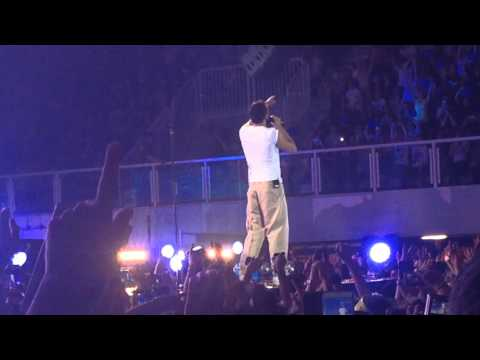 Marco Mengoni si commuove al live 2015 - L'essenziale