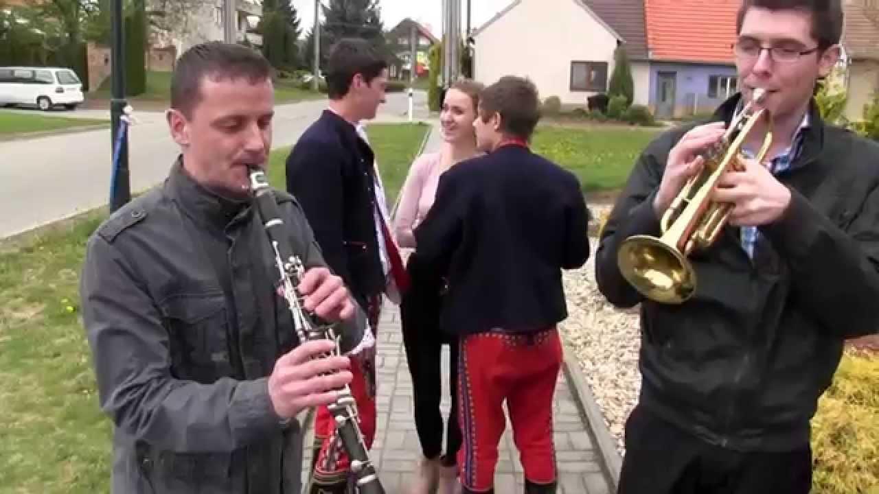 """Download DOLNÍ BOJANOVICE-Velikonoční pondělí se """"šlahačkovů obchůzků"""" na Podluží:"""