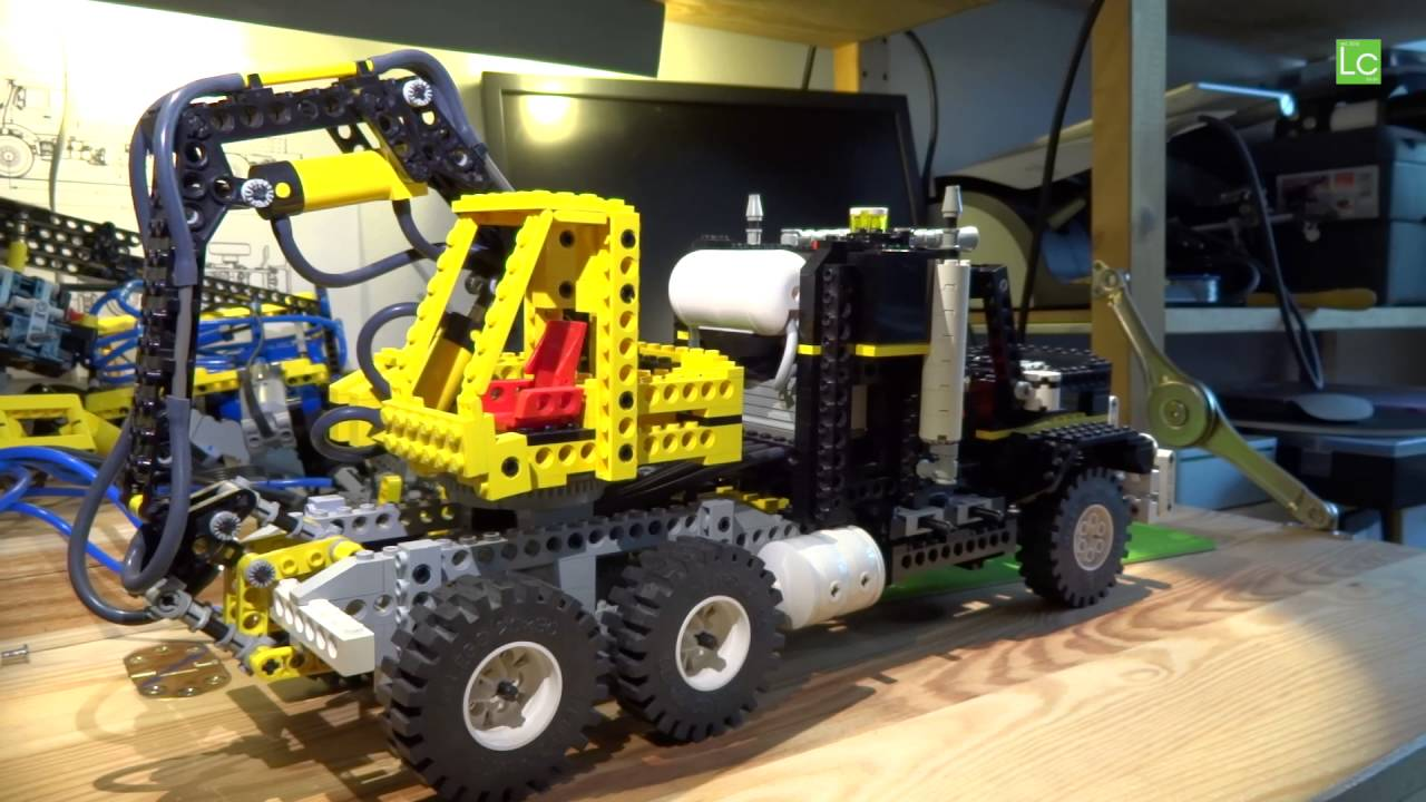 lego technic air tech claw rig 8868 modded with airtank. Black Bedroom Furniture Sets. Home Design Ideas
