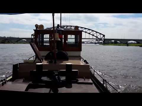 tugboat IJssel on the river IJssel / sleepboot IJssel op de IJssel 2016