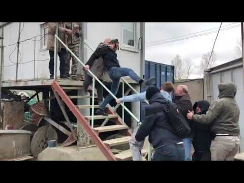 Разборки в стиле девяностых развернулись в Южно-Сахалинске 2