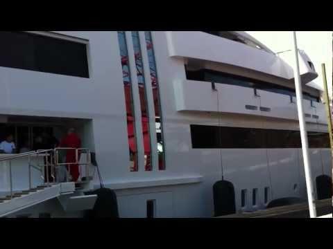 The Yacht Vibrant Curiosity visits Sweden