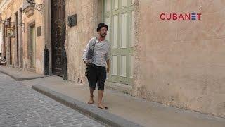 """""""Un poema por 1 CUC"""" – El poeta extranjero que deambula las calles de La Habana, Cuba"""