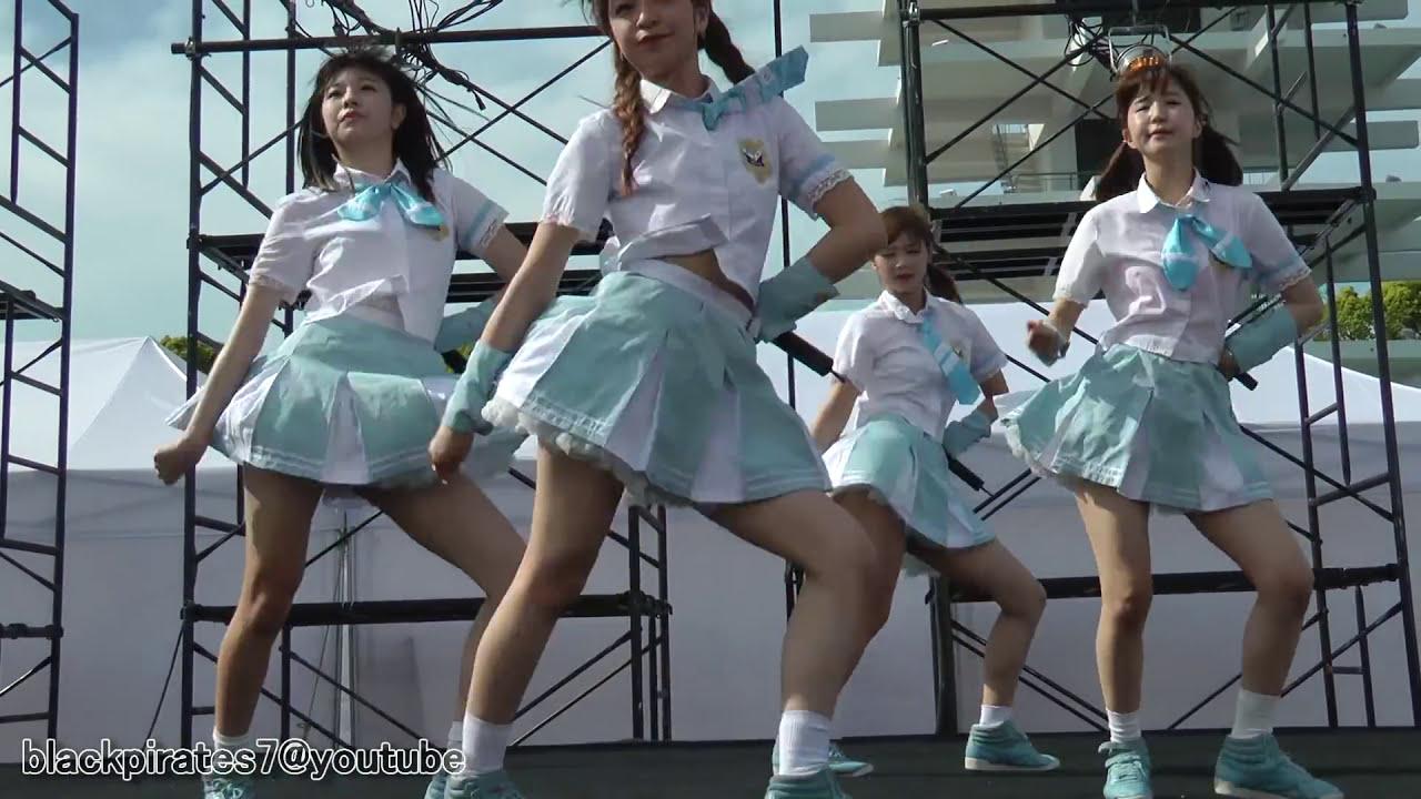 JK 女子高生アイドルグループのライブコンサート。ステージ