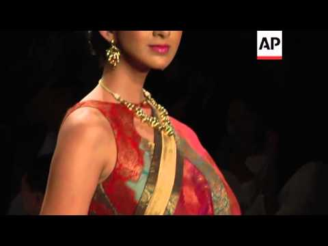 Gems and Jewelry fashion show in Mumbai