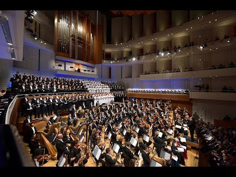 Gustav Mahler: Symphony No. 8 - Riccardo Chailly, Lucerne Festival Orchestra - DVD & Blu-ray