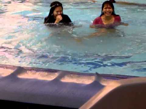 Funny 2 People At The Pool Swimming Like Crazy Youtube