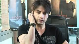ALI ZAFAR LIVE INTERVIEW TALKS ABOUT USTAD BADE GHULAM ALI KHAN MEHDI HASSAN