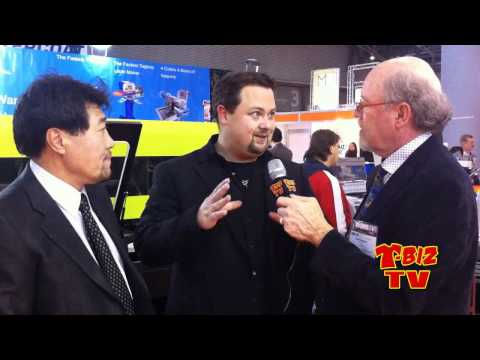 Scott Fresener Talks with Eric Huber & Peter Choi About the Aeoon Printer - at FespaFabric Barcelona