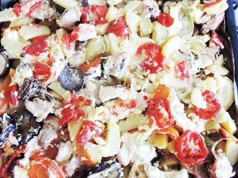 Запекаем картофель с курицей и овощами. Baked potatoes with chicken and vegetables.
