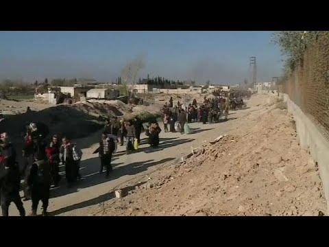 الجيش السوري يمهل مقاتلي المعارضة في حرستا حتى الثالثة عصرا للانسحاب…  - نشر قبل 1 ساعة