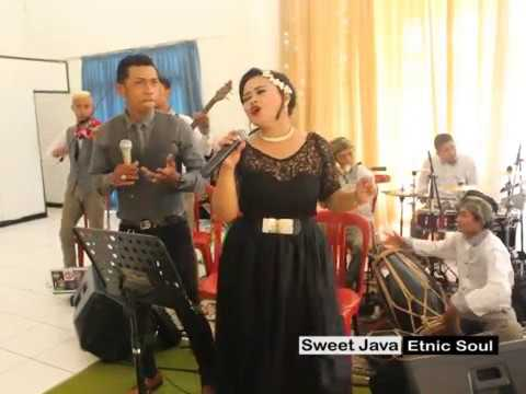 "SweetJava Perform ""Sampurasun"""