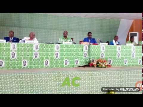 Bédié  à Daoukro : « Que celui qui veut la disparition du PDCI dans cette salle, se lève ! »