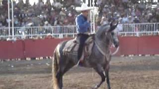 Ezequiel Pena en su caballo