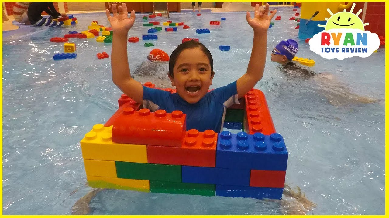 Legoland hotel indoor swimming pool kids playtime youtube for Hotels near legoland with swimming pool