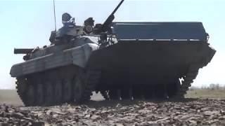 Этап вождения БМП-2 на плаву всеармейского конкурса «Суворовский натиск» на полигоне ДВОКУ