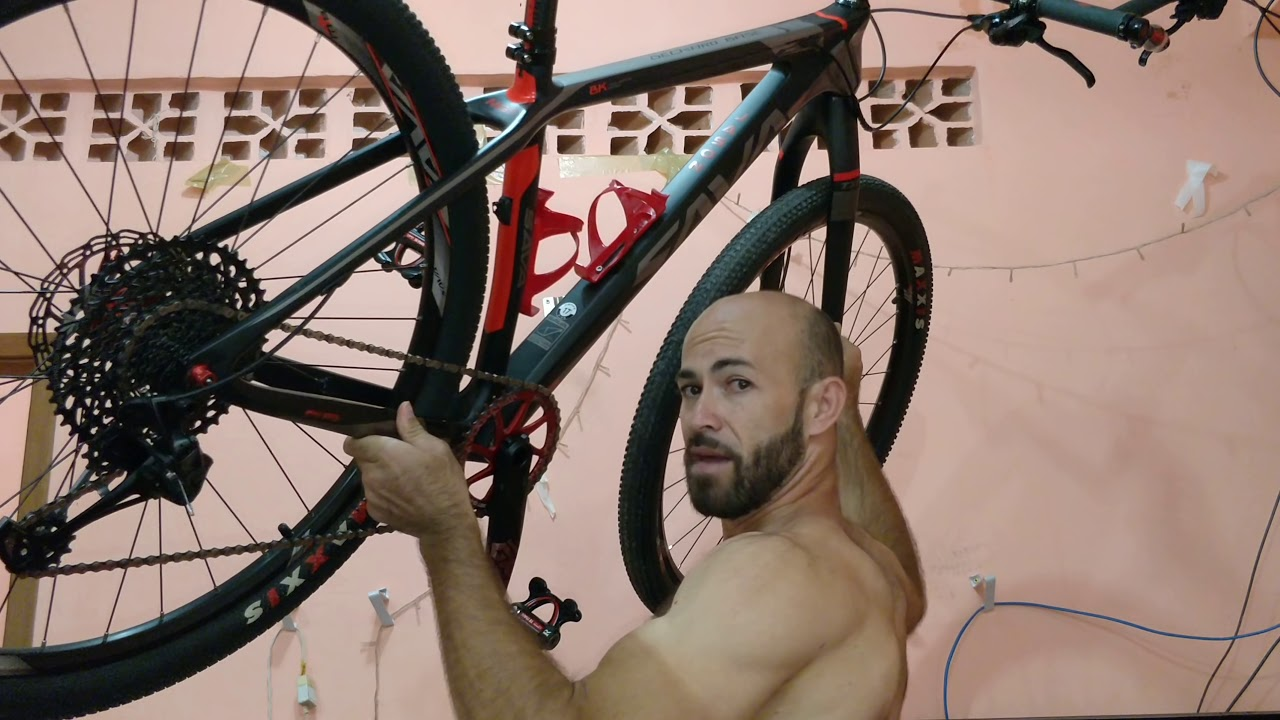 b6a42181e Suporte parede p  bike por incríveis R  20