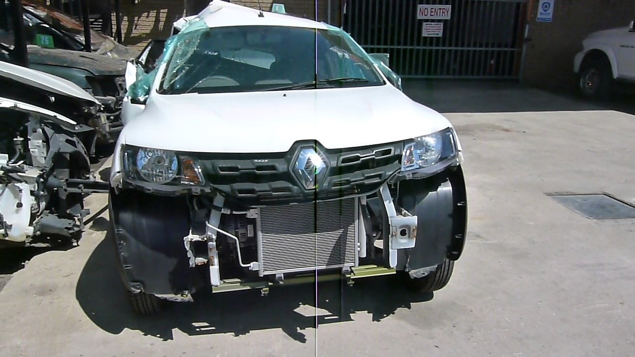 Stripping for parts /2016 Renault Kwid 1.0 Dynamique B4DA - YouTube
