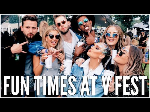 V FESTIVAL FUN & EXCITING DELIVERIES - WEEKLY VLOG | LucyAndLydia