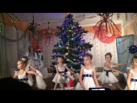 """Танец снежинок  в 211 детском саду, группа """"Черемушка"""""""