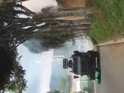 Ingreso de tanqueta y efectivos policiales a la UIS