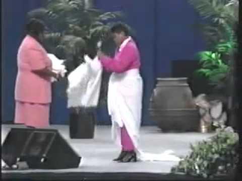 Prophetess Juanita Bynum   No More Sheets 3