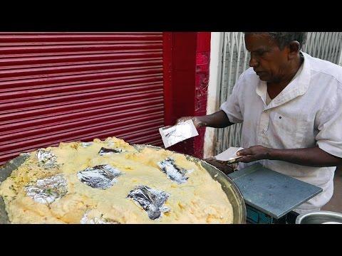 印度路邊小吃 - 與銀的可口牛奶乳蛋糕 - YouTube